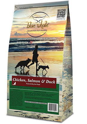 Chicken, Salmon & Duck Entrée.Natural Dry Cat Food